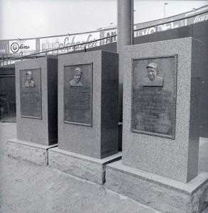 Yankee-Stadium-Monuments