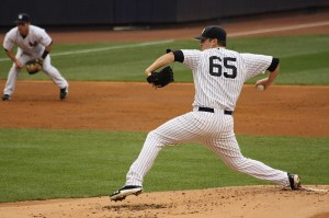 800px-Phil_Hughes_Yankees-Orioles_8-1-12