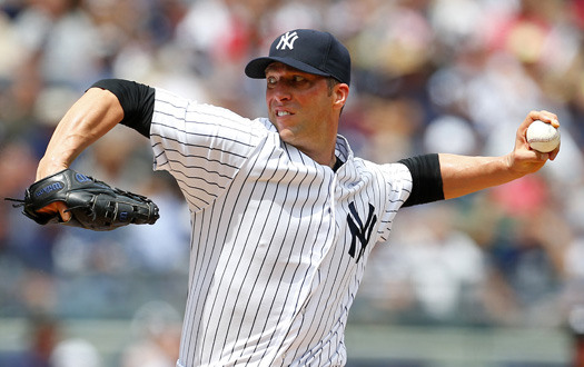 Yankees retain Chris Capuano on 1-year deal