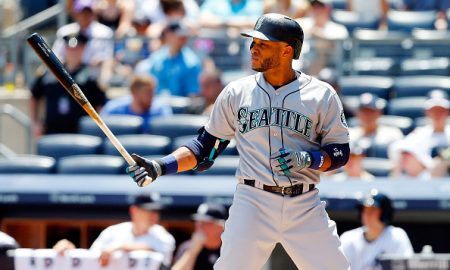 NEW YORK, NY - JULY 19:  Robinson Cano #22 of the Seattle Mariners in action against the New York Yankees at Yankee Stadium on July 19, 2015 in the Bronx borough of New York City. The Yankees defeated the Mariners 2-1.  (Photo by Jim McIsaac/Getty Images)