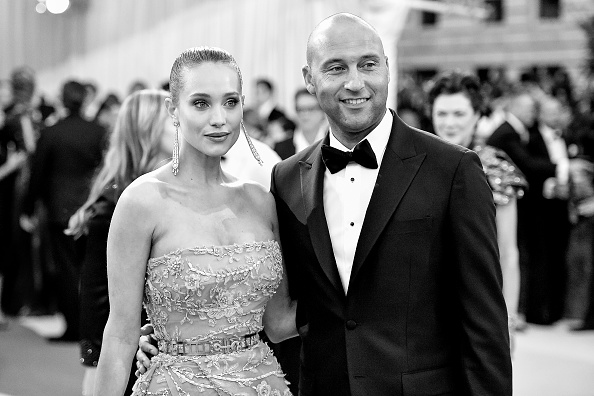 "NEW YORK, NY - MAY 02: (EDITORS NOTE: Image has been converted to black and white.) Hannah Davis (L) and Derek Jeter attend the ""Manus x Machina: Fashion In An Age Of Technology"" Costume Institute Gala at Metropolitan Museum of Art on May 2, 2016 in New York City.  (Photo by Mike Coppola/Getty Images for People.com)"