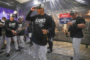 Yankees clinch